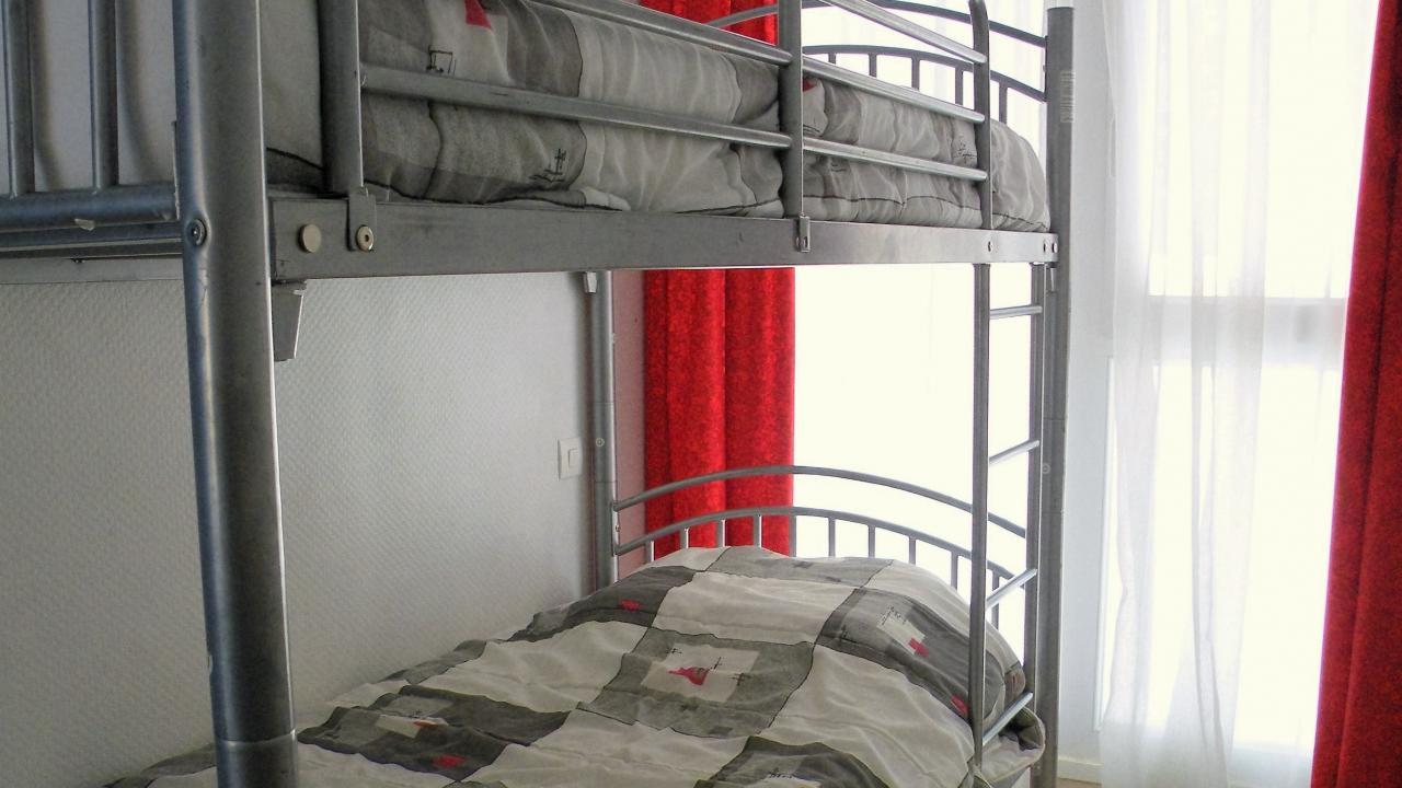 Chambre d'enfants avec lits superposés